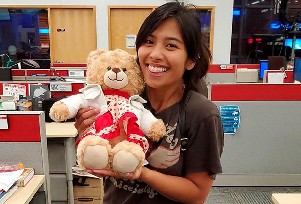 К Маре Сориано вернулась украденная плюшевая игрушка благодаря помощи тысяч незнакомцев