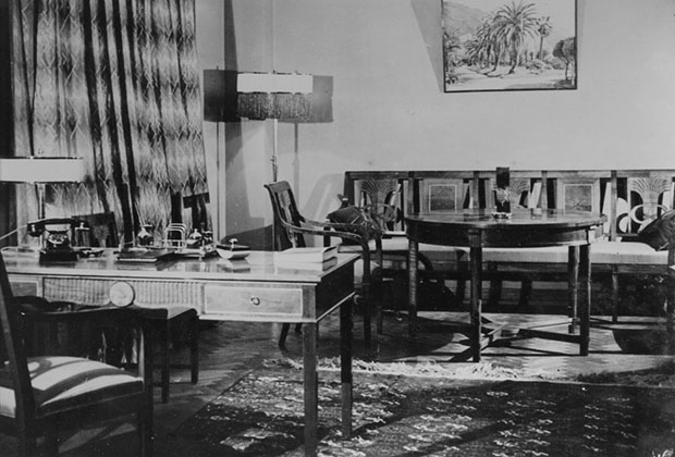 Гостиница «Москва». Интерьер номера люкс, 30-е годы