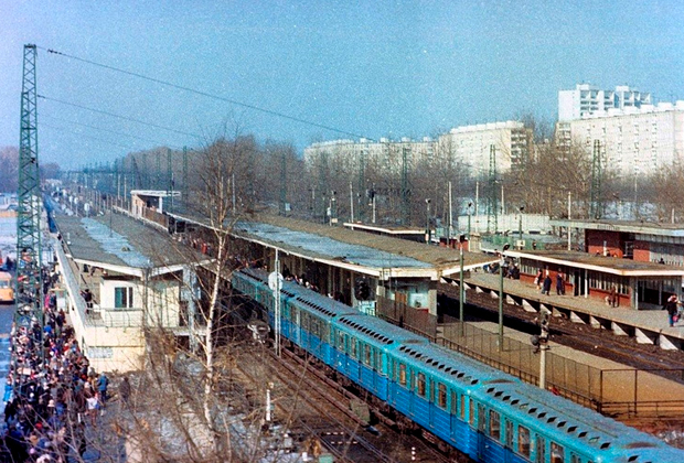Станция метро «Ждановская» в 1980-е годы
