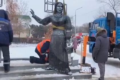 Скандальному памятнику «Аленке» нашли новое применение