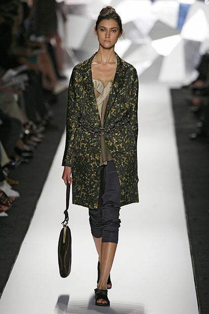 Победительница первого сезона шоу «Ты — супермодель» Ксения Кахнович на показе модного дома Vera Wang в 2008 году