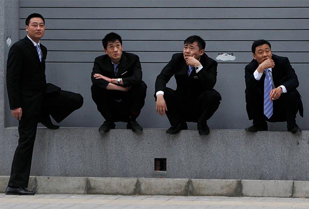 Китайские офисные работники на перерыве