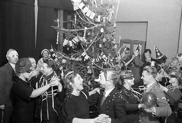 Новогодний вечер в одном из московских клубов, 1938 год