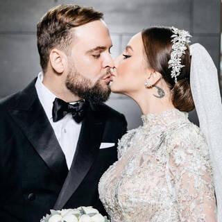 Певица Asti с мужем