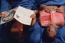 Каждый чернокожий американец рождается с неподъемным багажом чудовищной истории, пережитой его предками — но в силах он и переработать этот тяжкий груз, освободиться если не социально, то интеллектуально благодаря наследию черных и не только мыслей, идей, стратегий существования в неуютном мире белого капитализма. Эфраим Асили демонстрирует в своем дебютном фильме пример такого освобождения через наследство буквальное (и через работу с собственным опытом активизма в 1980-х): главному герою достается от покойной бабушки дом в Филадельфии, который он превращает в афромарксистскую коммуну. История частная схлестывается с историей большой, отношения внутри коммуны — с глобальными идеями, архивный, но не архаичный фокус фильма — с авангардными средствами его воплощения.