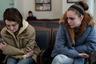 В контексте гендерных войн, сотрясающих современный мир в целом и индустрию медиа и развлечений в частности, вполне могла бы смотреться конъюнктурной драма Элизы Хиттман «Никогда, редко, иногда, всегда», рассказывающая о долгой и сложной поездке беременной старшеклассницы из Пенсильвании в нью-йоркский абортарий (где, в отличие от родного штата, ей не понадобится разрешение родителей на операцию). К счастью, фильм Хиттман, спокойный и вдумчивый, не избегающий горячих тем вроде домашнего насилия и принуждения к сексу, но предпочитающий истерике почти тактильное по уровню близости сопереживание юной героине, заслуживает похвал и вне любой повестки.