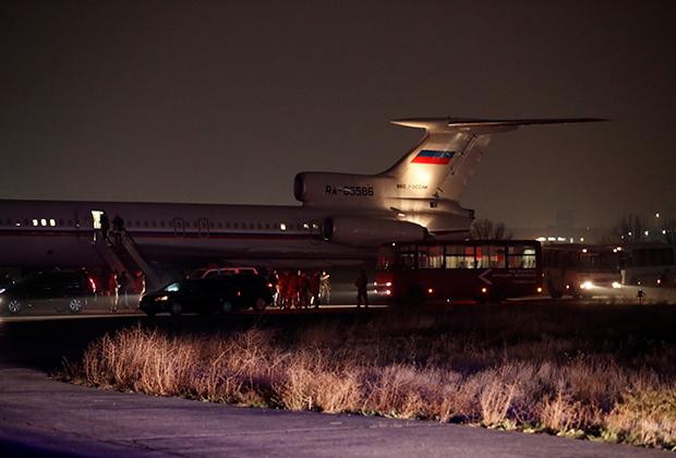 Российский военно-транспортный самолет, перевозящий армянских пленных
