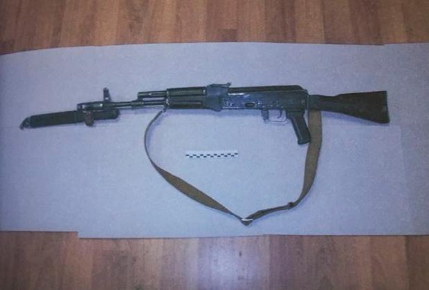 Автомат АК-74М, из которого рядовой Рамиль Шамсутдинов расстрелял сослуживцев