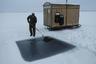 К примеру, отправиться за полярный круг можно лишь в конкретное время, когда там устанавливаются наиболее благоприятные погодные условия.  <br></br> Большинство туров в Антарктиду проводится местным летом, с ноября по март. Декабрь и январь считаются наиболее теплым периодом, когда минимален риск встретить движущиеся айсберги. Лучшим же месяцем, чтобы отправиться на Северный полюс, считается апрель.