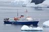 Конечно же, для таких суровых путешествий необходима подходящая техника, которая точно не подведет в пути. Для реализации всех возможных запросов и активностей ее требуется много. <br></br> В первую очередь это корабли, например, Le Commandant Charcot, который сочетает в себе черты исследовательского судна с отменной навигационной системой для поиска маршрутов во льдах и изысканного морского круизного лайнера с высококачественной инфраструктурой и сервисом. В частности, Le Commandant Charcot располагает комфортабельными каютами различного уровня, ресторанами, баром, спа-комплексом, открытым и крытым бассейнами, спортивным залом, зимним садом, театром, зоной отдыха и библиотекой.