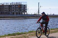 Жилой дом в российском городе заледенел после потопа
