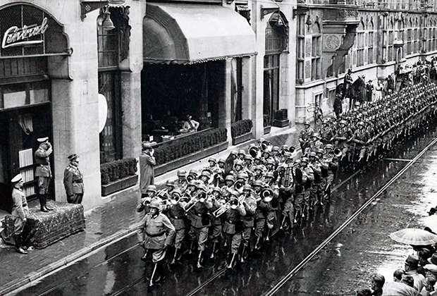 Парад фашистов в Гааге, 1940 год
