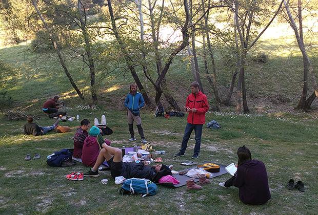Жизнь в лагере путешественников