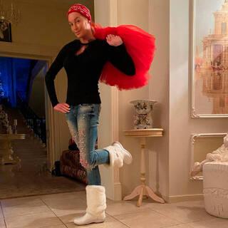 Волочкова рассказала о хламе в доме и долгах по коммуналке