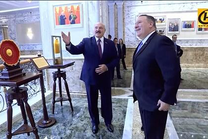 Лукашенко поздравил белорусов с Новым годом вместе с госсекретарем США