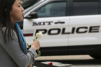 Полицейский оплатил украденные продукты после разговора с воровками