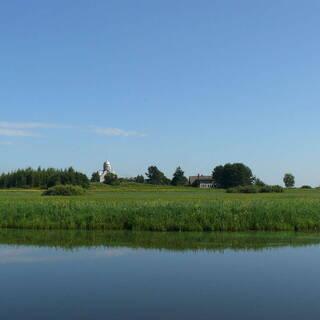 Вид на остров Липно и церковь
