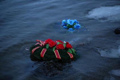 Поиски моряков с затонувшего в Баренцевом море судна прекратили