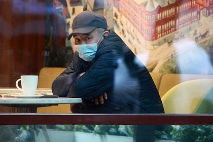 В Петербурге возобновили работу бары и рестораны
