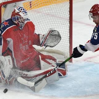 Российский хоккеист вспомнил о трудностях в США
