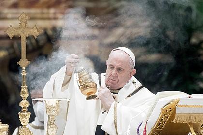 Папа римский привился от коронавируса: Общество: Мир: Lenta.ru
