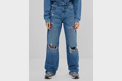Популярная в 90-х модель джинсов вновь стала трендом