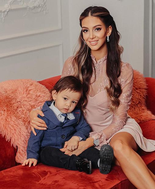 Оксана Воеводина с сыном Леоном