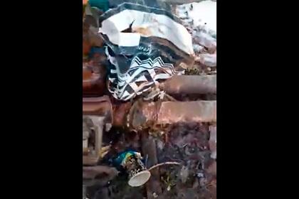 Жители российского города пожаловались на починенную пакетом трубу