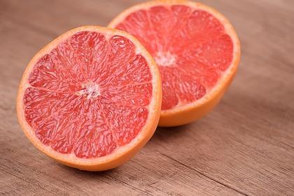 Диетолог рассказала об опасности грейпфрута при коронавирусе