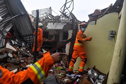 Мощное землетрясение в Индонезии погубило более полусотни жителей