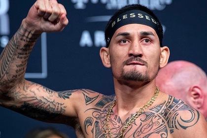 Бывший чемпион UFC одержал победу и установил рекорд организации