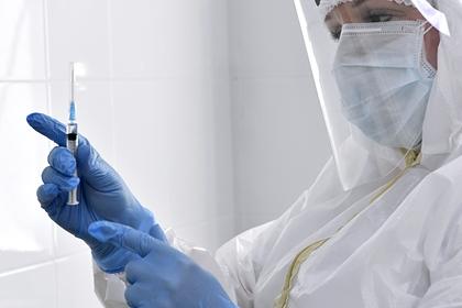 Названы сроки ввода в оборот третьей российской вакцины от коронавируса