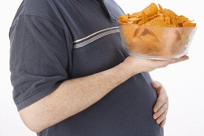 Врач-эндокринолог назвала семь признаков зависимости от еды