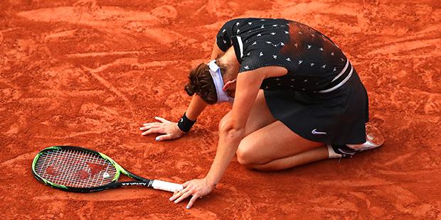 Теннисистка во время матча