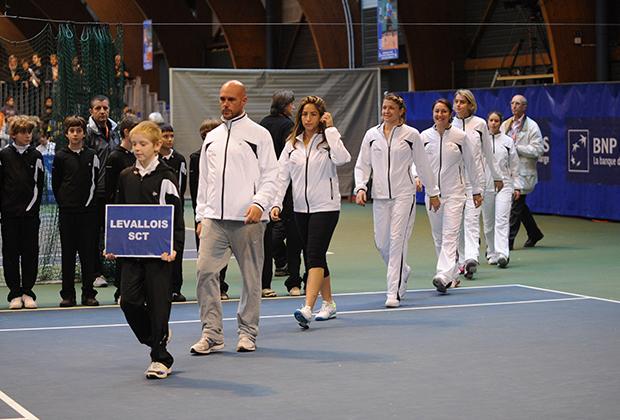 Чемпионат Франции, 2010 год. Эндрю Геддис (второй слева)