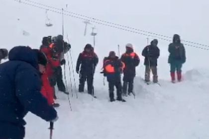 Названа причина схода лавины на людей на популярном курорте России