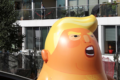 Коллекцию Музея Лондона пополнила гигантская надувная фигура Трампа