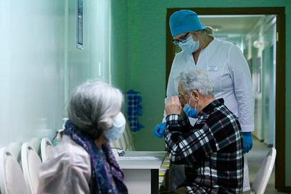 В Подмосковье 91-летнего мужчину привили от коронавируса