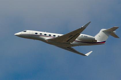 Летевший из России в Дубай бизнес-джет подал сигнал бедствия сразу после взлета