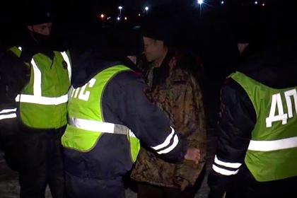 В России водитель троллейбуса ранил кондуктора саблей при «посвящении в рыцари»