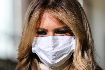 Мелания Трамп призвала американцев к осторожности при вакцинации