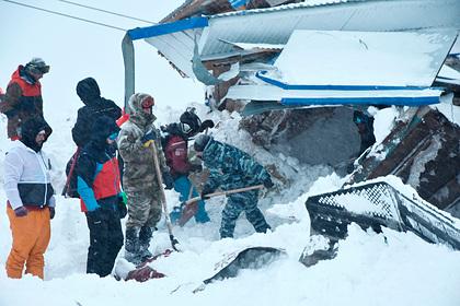 Россиянин позвал девушку замуж на горе в Домбае за минуты до смертельной лавины