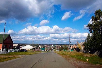 Оказавшимся в заложниках у банка жителям российского села простили долги