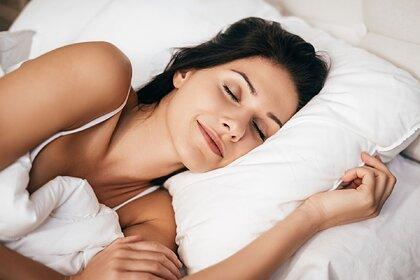 Раскрыта связь между недосыпом и коронавирусом