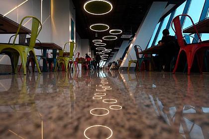 В центре Москвы закрылись сотни кафе