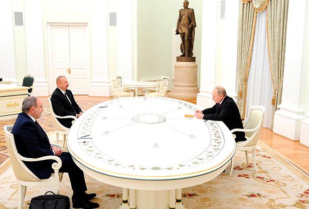 Трехсторонние переговоры по Карабаху в Москве
