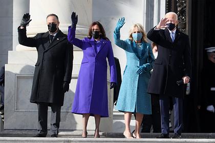 Журналисты раскрыли судьбу одежды жены Байдена после инаугурации
