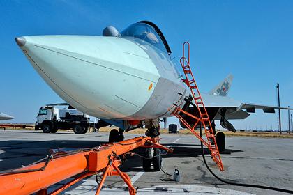 Россия официально получила первый серийный Су-57