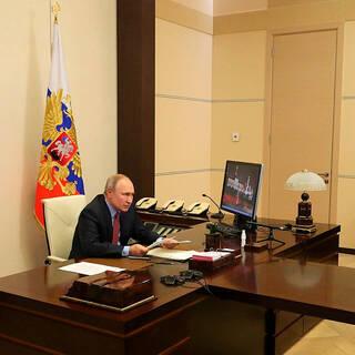 Путин призвал выровнять цены на жилье