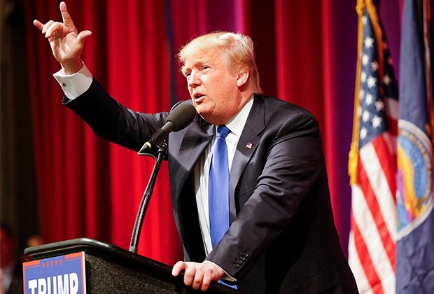 Дональд Трамп выступает перед сторонниками, 2016 год